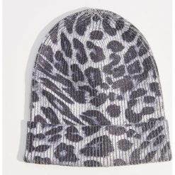 Czapka beanie z motywem zwierzęcym - Wielobarwn. Szare czapki i kapelusze damskie Mohito. Za 39.99 zł.