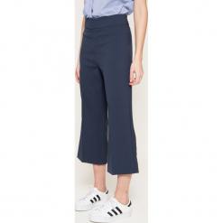 Broadway - Spodnie. Szare spodnie materiałowe damskie Broadway, z elastanu. W wyprzedaży za 89.90 zł.