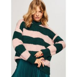 Sweter w paski - Khaki. Brązowe swetry damskie Reserved. Za 99.99 zł.