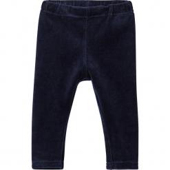 """Legginsy """"Serita"""" w kolorze granatowym. Niebieskie legginsy dla dziewczynek Name it Baby, z bawełny. W wyprzedaży za 35.95 zł."""