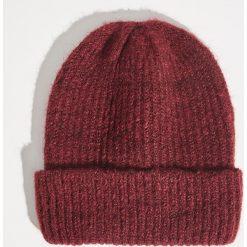 Czapka typu beanie - Bordowy. Czapki i kapelusze damskie marki WED'ZE. W wyprzedaży za 9.99 zł.