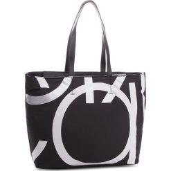 Torebka CALVIN KLEIN - Loud Shopper K60K604464 001. Czarne torebki shopper damskie Calvin Klein, z materiału. Za 549.00 zł.