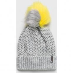 Answear - Czapka. Szare czapki i kapelusze damskie ANSWEAR, z dzianiny. Za 69.90 zł.