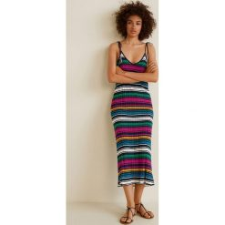 Mango - Sukienka Indianer. Szare sukienki damskie Mango, z bawełny, casualowe, na ramiączkach. W wyprzedaży za 89.90 zł.