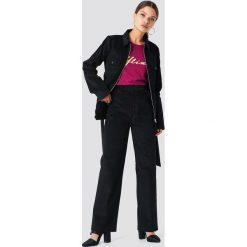 NA-KD Trend Spodnie sztruksowe - Black. Czarne spodnie materiałowe damskie NA-KD Trend, ze sztruksu. Za 202.95 zł.