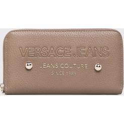 Versace Jeans - Portfel. Szare portfele damskie Versace Jeans, z jeansu. W wyprzedaży za 239.90 zł.