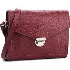 Torebka COCCINELLE - CV3 Mini Bag E5 CV3 55 H1 07 Grape R04. Czerwone listonoszki damskie Coccinelle, ze skóry. W wyprzedaży za 659.00 zł.