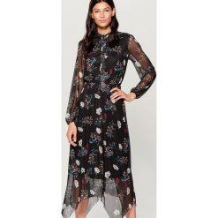 Sukienka z kwiatowym wzorem all over - Czarny. Czarne sukienki damskie Mohito. Za 169.99 zł.