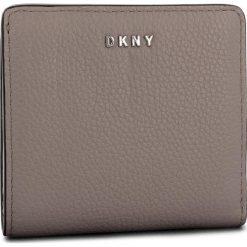 Mały Portfel Damski DKNY - Bifold Wallet R83ZA657 Warm Grey WG5. Szare portfele damskie DKNY, ze skóry. Za 339.00 zł.