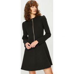 Trendyol - Sukienka. Czarne sukienki damskie Trendyol, z dzianiny, casualowe. Za 99.90 zł.