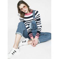 Tommy Jeans - Sweter. Swetry damskie marki Tommy Jeans. W wyprzedaży za 239.90 zł.