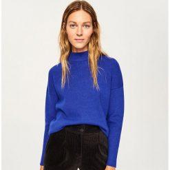 Sweter ze stójką - Niebieski. Niebieskie swetry damskie Reserved, ze stójką. Za 69.99 zł.