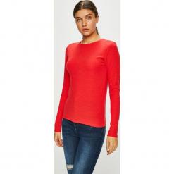 Trendyol - Bluzka. Czerwone bluzki damskie Trendyol, z dzianiny, casualowe, z okrągłym kołnierzem. Za 59.90 zł.