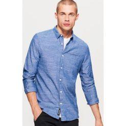 Gładka koszula SLIM FIT - Niebieski. Niebieskie koszule męskie Cropp. Za 79.99 zł.