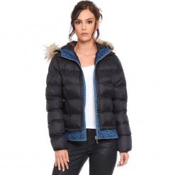 """Kurtka """"Elsa"""" w kolorze czarnym. Czarne kurtki damskie Cosy Winter, na zimę. W wyprzedaży za 227.95 zł."""