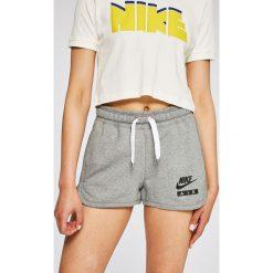 Nike Sportswear - Szorty. Szare szorty sportowe damskie Nike Sportswear, z bawełny. W wyprzedaży za 139.90 zł.