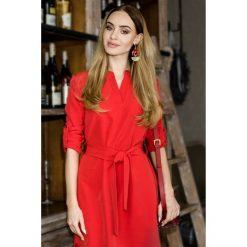 Sukienka koszulowa moe361. Czerwone sukienki damskie MOE, z koszulowym kołnierzykiem. Za 139.00 zł.