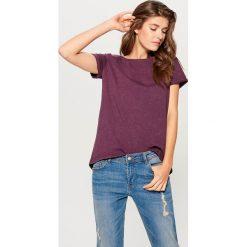 Bawełniana koszulka z efektem sprania - Bordowy. Czerwone bluzki damskie Mohito, z bawełny. W wyprzedaży za 29.99 zł.