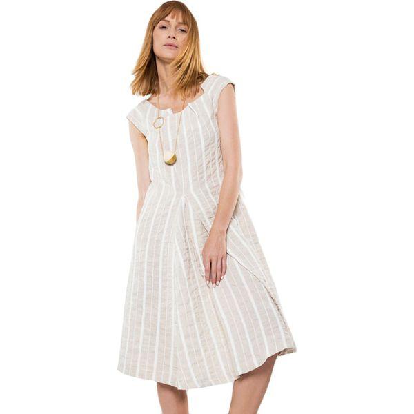 f15b803ef8 Sukienka w kolorze beżowo-białym - Sukienki damskie marki Deni Cler ...