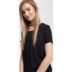 Koszulka treningowa damska TSDF005 - czarny. Czarne bluzki damskie 4f, z nadrukiem, z materiału. W wyprzedaży za 79.99 zł.