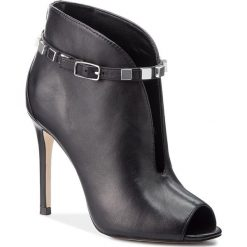 Szpilki GUESS - FLFIE4 LEA09 BLACK. Szpilki damskie marki Clarks. W wyprzedaży za 519.00 zł.