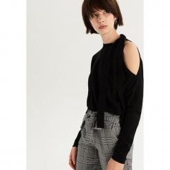 Sweter z odkrytym ramieniem - Czarny. Czarne swetry damskie Sinsay. Za 59.99 zł.