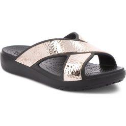 Klapki CROCS - Sloane Hammered Xstrp Slide W 205136 Black/Rose Gold. Żółte klapki damskie Crocs, z materiału. W wyprzedaży za 149.00 zł.