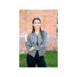 Kolorowa wzorzysta bluza damska bomberka na suwak, bluza damska w liście. Różowe bluzy damskie Ekoszale, w kolorowe wzory, z dresówki. Za 170.00 zł.