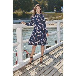 Piękna rozkloszowana sukienka l269. Niebieskie sukienki damskie Lemoniade, z materiału, ze stójką, z długim rękawem. Za 249.00 zł.