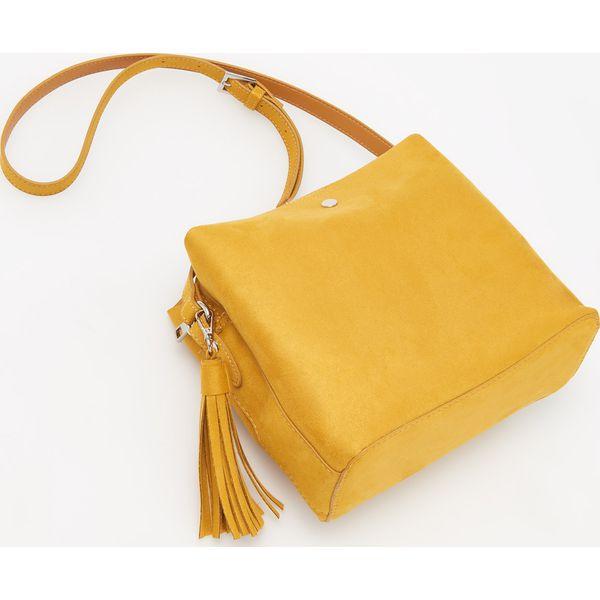6b5f5597d4053 Żółta torebka z imitacji zamszu - Żółty - Żółte torebki do ręki ...