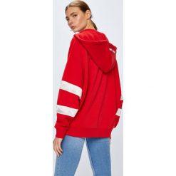 Tommy Jeans - Bluza. Czerwone bluzy damskie Tommy Jeans, z bawełny. W wyprzedaży za 399.90 zł.