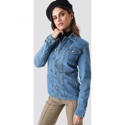 NA-KD Trend Jeansowa kurtka z wyraźnie zaznaczoną talią - Blue. Niebieskie kurtki damskie NA-KD Trend, z jeansu. Za 202.95 zł.