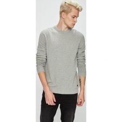 Produkt by Jack & Jones - Sweter. Szare swetry przez głowę męskie PRODUKT by Jack & Jones, z bawełny, z okrągłym kołnierzem. W wyprzedaży za 79.90 zł.