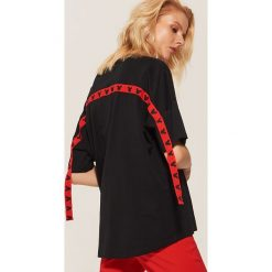 T-shirt oversize Mickey Mouse - Czarny. Czarne t-shirty damskie House, z motywem z bajki. Za 49.99 zł.