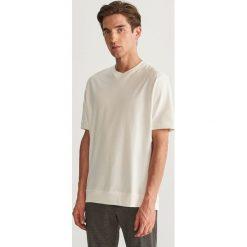T-shirt z bawełny organicznej - Kremowy. Białe t-shirty męskie Reserved, z bawełny. Za 59.99 zł.