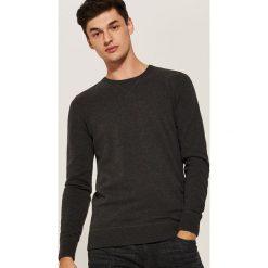 Gładki sweter - Czarny. Swetry przez głowę męskie marki Giacomo Conti. W wyprzedaży za 39.99 zł.