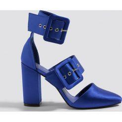 NA-KD Shoes Czółenka na słupku z klamrami - Blue. Czółenka damskie marki bonprix. W wyprzedaży za 80.97 zł.