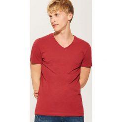 T-shirt basic - Czerwony. T-shirty damskie marki DOMYOS. W wyprzedaży za 19.99 zł.