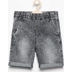 Jeansowe krótkie spodenki - Czarny. Jeansy dla chłopców marki 4F JUNIOR. W wyprzedaży za 29.99 zł.