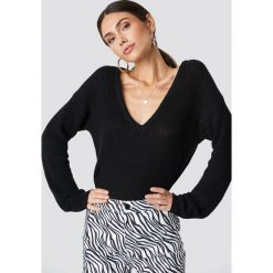 NA-KD Sweter z głębokim dekoltem V - Black. Czarne swetry damskie NA-KD, dekolt w kształcie v. Za 121.95 zł.