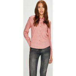 Vero Moda - Koszula. Różowe koszule damskie Vero Moda, w paski, z materiału, casualowe, z długim rękawem. W wyprzedaży za 89.90 zł.