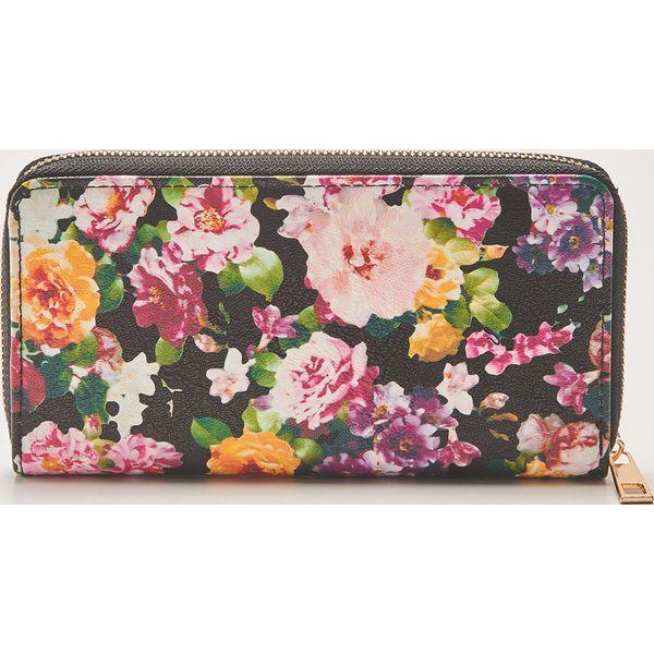 49951a041c6fa Portfel w kwiaty - Wielobarwn - Portfele damskie marki House. W ...
