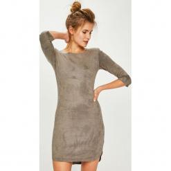 Answear - Sukienka. Szare sukienki damskie ANSWEAR, z dzianiny, casualowe, z okrągłym kołnierzem. Za 149.90 zł.
