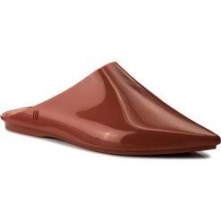 Klapki MELISSA - She Ad 32180 Copper 01399. Brązowe klapki damskie Melissa, z tworzywa sztucznego. W wyprzedaży za 179.00 zł.