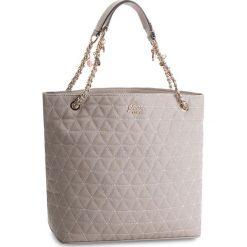 Torebka GUESS - HWVG69 88230 CLD. Szare torebki do ręki damskie Guess, ze skóry ekologicznej. W wyprzedaży za 449.00 zł.