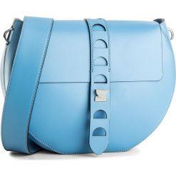 Torebka COCCINELLE - BO1 Carousel Design E1 BO1 12 01 01 Azur 021. Niebieskie listonoszki damskie Coccinelle, w ażurowe wzory, ze skóry. W wyprzedaży za 709.00 zł.