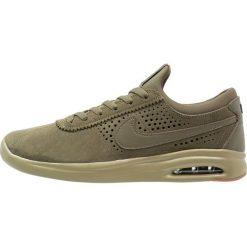 Nike SB BRUIN MAX VAPOR Tenisówki i Trampki medium olive/neutral olive/medium brown/black. Trampki męskie Nike SB, z materiału. W wyprzedaży za 356.30 zł.