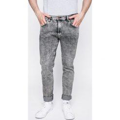 Wrangler - Jeansy Larston Snow Flake. Białe jeansy męskie Wrangler. W wyprzedaży za 219.90 zł.