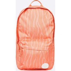 Converse - Plecak. Różowe plecaki damskie Converse, w paski, z poliesteru. W wyprzedaży za 99.90 zł.