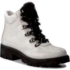 Trapery STEVE MADDEN - Asur Bootie 91000583-07040-02001 White. Białe śniegowce i trapery damskie Steve Madden, z materiału. W wyprzedaży za 309.00 zł.